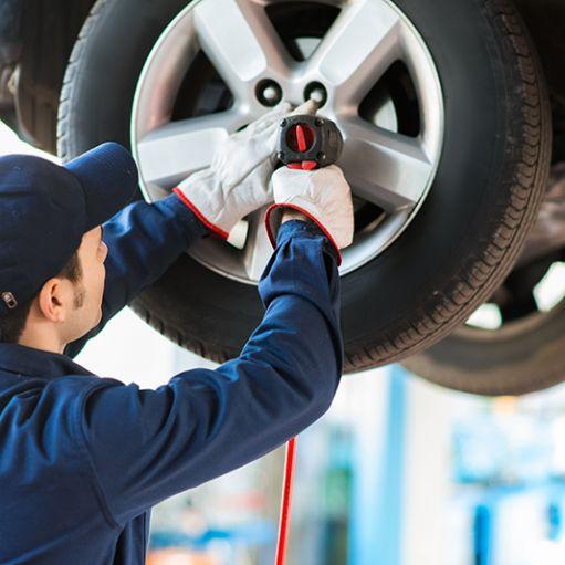 Cambio pneumatici autoveicoli