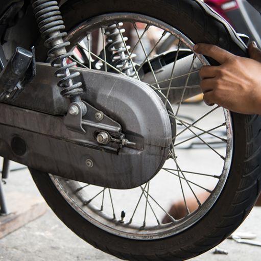 Montaggio gomme moto